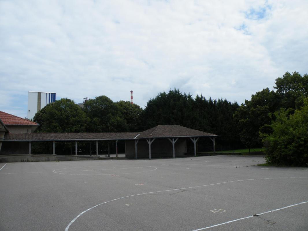 la cour de l'école