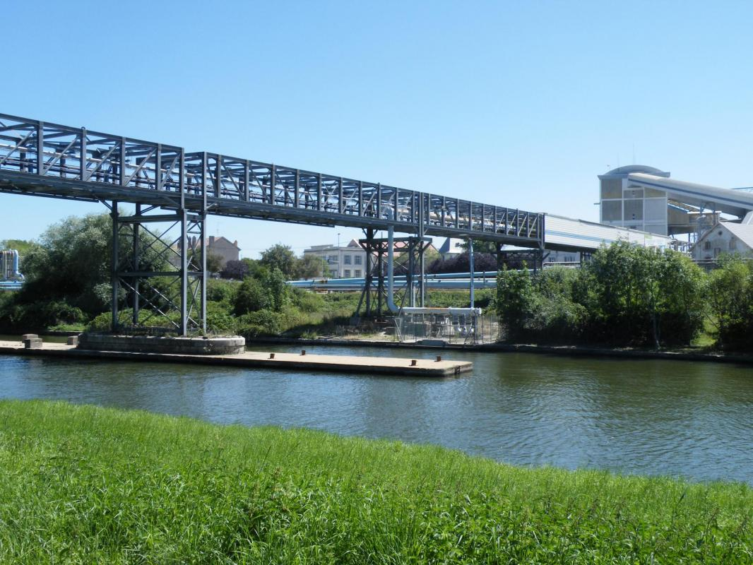 pont de la madeleine 54410