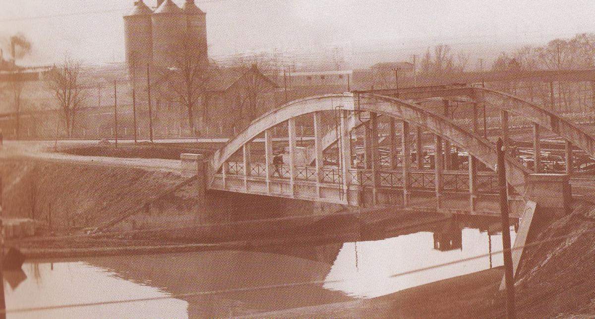 Le pont sur le canal en 1932
